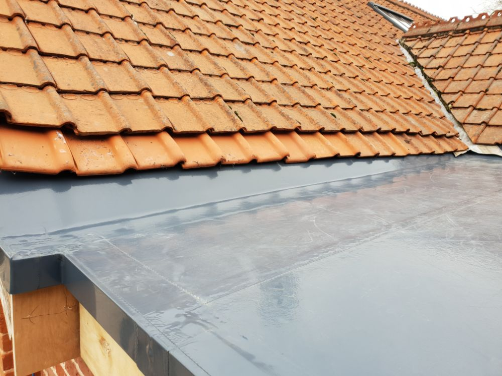 A flat roof in need of our services.